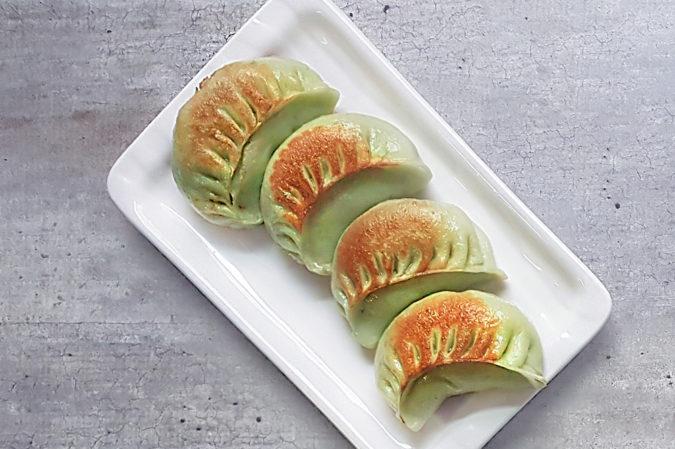 Pampushki with vegetables